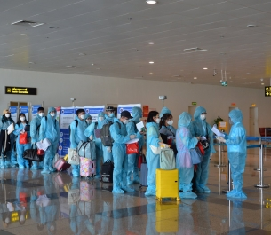 Chuyến bay thương mại đầu tiên về Việt Nam hậu Covid-19